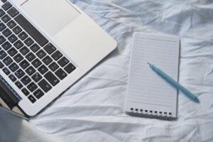 ノートPCとメモ